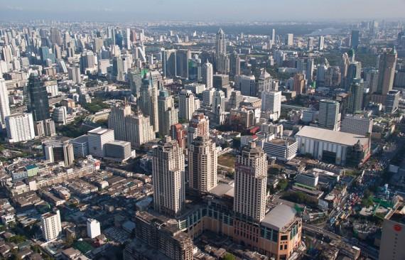Количество небоскребов в Таиланде растет изо дня в день.