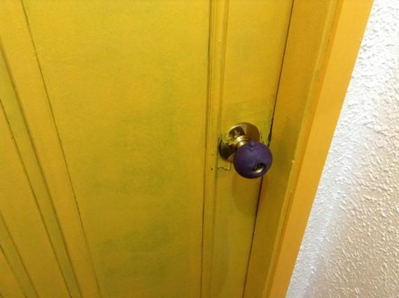 Увидев дверь в мой номер я понял, что меня ждет, что-то уникальное