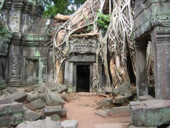 Развалины храмового комплекса Ангкор Ват